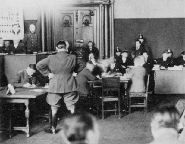 Герман Геринг на суде связанном поджогом Рейхстага. 1934 г.