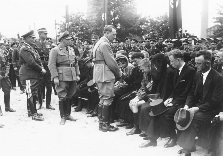 Герман Геринг на траурной церемонии. 1935 г.