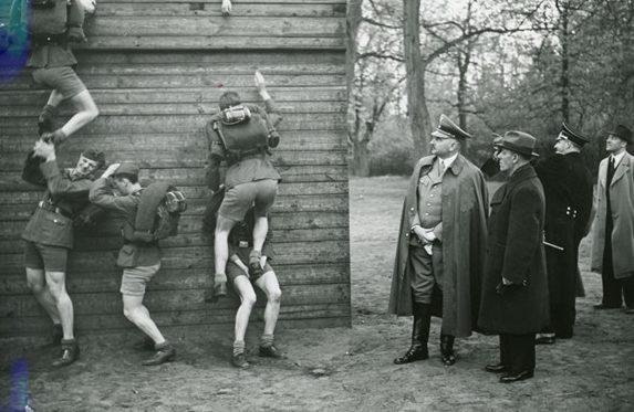 Руст Бернгард и Ууно Ханнула. Берлин.1939 г.