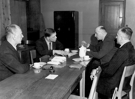 Вернер Бест на допросе. 1947 г.