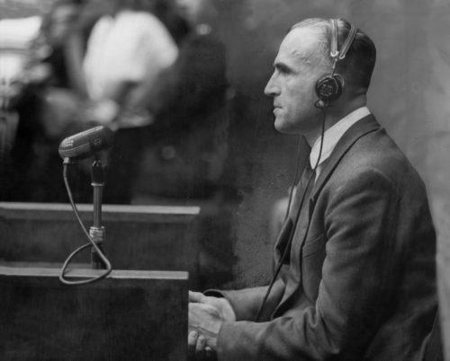 Вернер Бест на Нюрнбергском процессе. 1948 г.