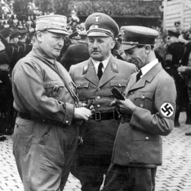 Йозеф Геббельс и Герман Геринг. 1939 г.