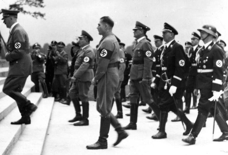Мартин Борман и Адольф Гитлер. Нюрнберг. 1938 г.