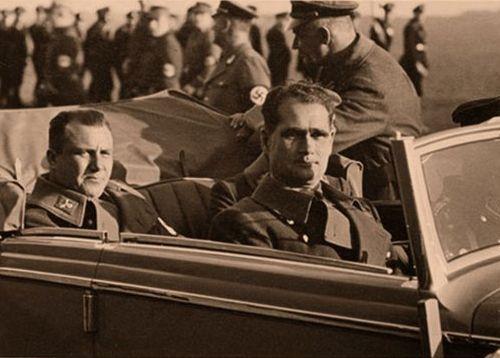 Мартин Борман и Рудольф Гесс. 1940 г.