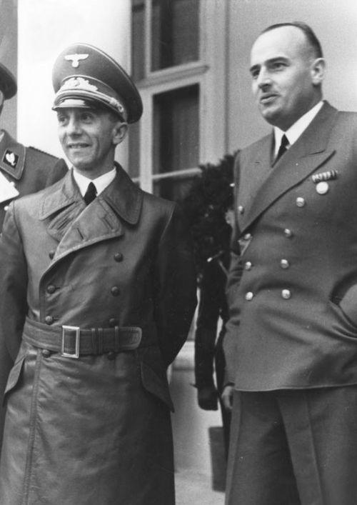 Йозеф Геббельс и Ганс Франк. 1943 г.
