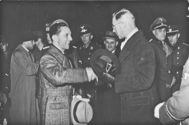 Йозеф Тербовен и Йозеф Геббельс. 1940 г.
