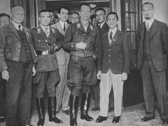 Альберт Шпеер, Карл Эрнст, Йозеф Геббельс и Карл Ханке. 1933 г.