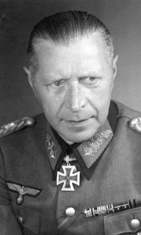 Гельмут Вейдлинг. Генерал артиллерии.
