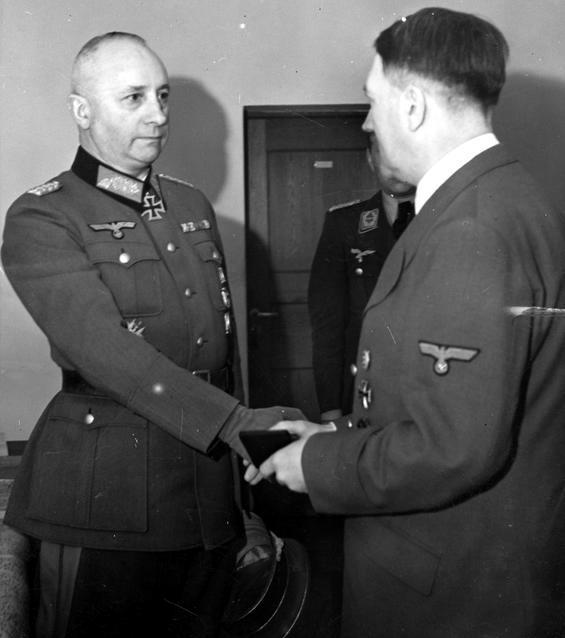 Йозеф Гарпе и Адольф Гитлер. 1941г.