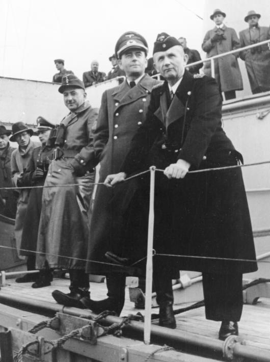 Карл Денниц, Ксавьер Трески и Альберт Шпеер. 1943 г.