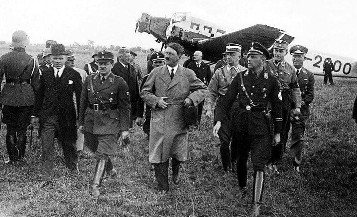 Эрих Кох и Адольф Гитлер. 1939 г.