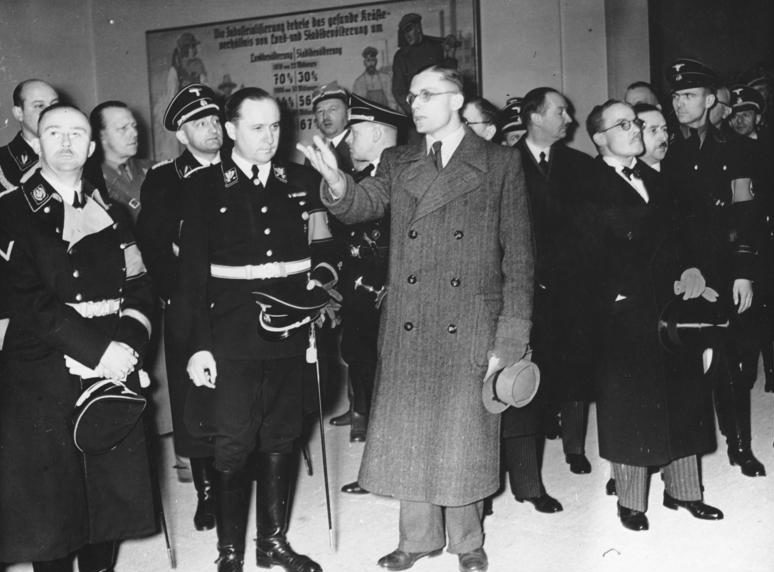 Рихард Дарре на Зеленой недели. 1939 г.
