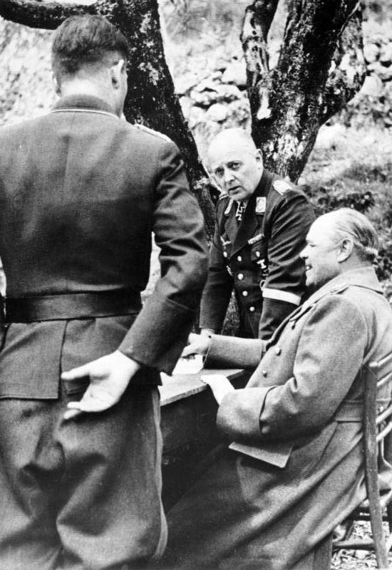 Рихард Гейдрих и Альберт Кессельринг. 1941 г.