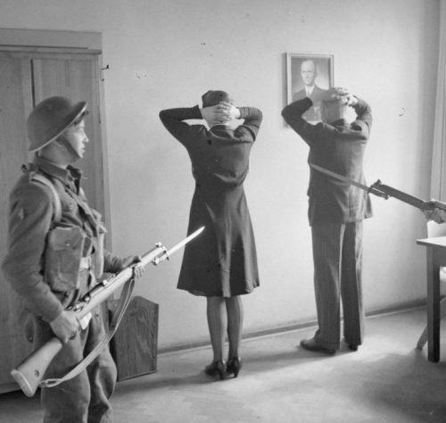 Арест Карла Деница и Альфреда Йодля. 1945 г.