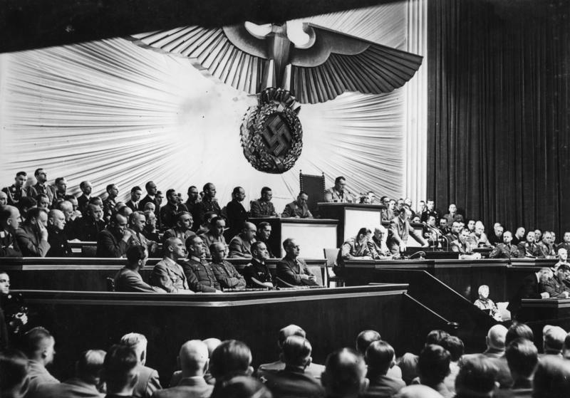 Рихард Дарре на заседании в Оейхстаге. 1941 г.