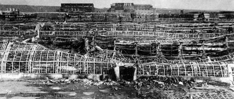 Последствия бомбардировки завода им. Ленина в Горьком. Ноябрь 1941 г.