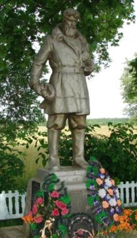 д. Калиновка Белыничского р-на. Братская могила, в которой захоронен 71 воин и партизан, в т.ч. 45 неизвестных, погибшие в 1943-1944 годах.