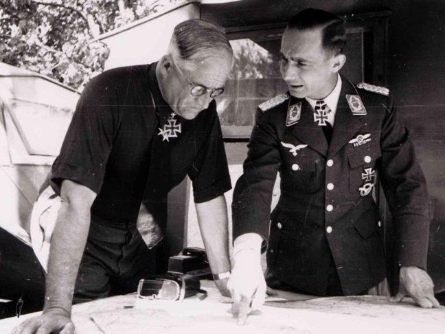 Роберт Грейм и Фридрих Клесс. 1940 г.
