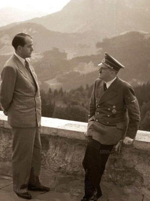 Альберт Шпеер и Адольф Гитлер в горах. 1942 г.