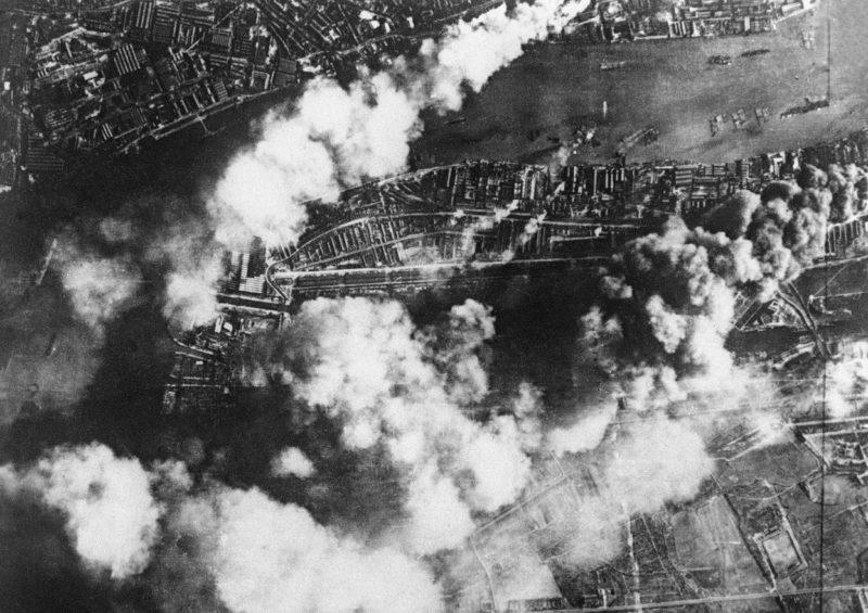 Аэрофотосъемка лондонских верфей после налета. 7 сентября 1940 г.