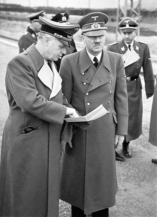 Отто Дитрих в свите Гитлера. 1938 г.