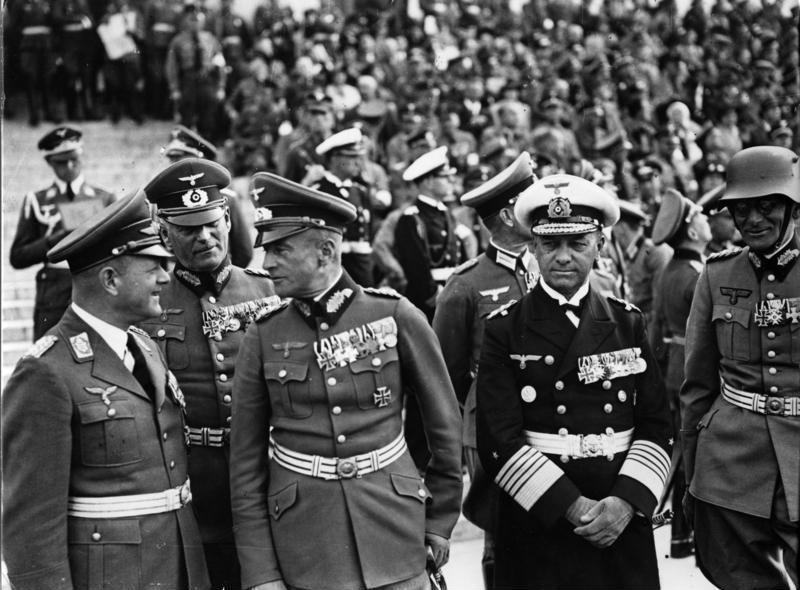 Максимилиан Вейхс, Эрхард Милч, Вильгельм Кейтель и Эрих Редер на съезде партии. 1938 г.