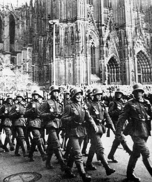 Парад немецких войск. 16 марта 1938 г.