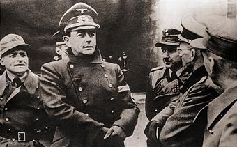 Альберт Шпеер на Антлантическом вале. 1943 г.