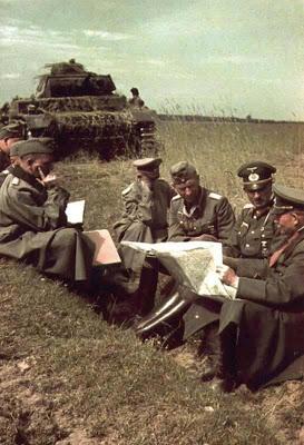 Ганс Юрген Арним на совещании у Гейнца Гудериана. 1941 г.