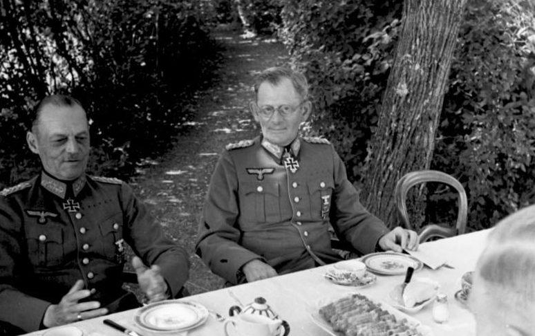 Максимилиан Вейхс и Герд фон Рундштедт. Франции. 1940 г.