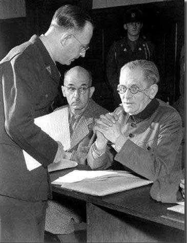 Максимилиан Вейхс в суде. Нюрнберг. 1947 г.