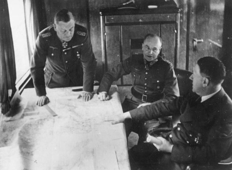 Вальтер Браухич, Вильгельм Кейтель на совещании в Гитлера. 1941 г.