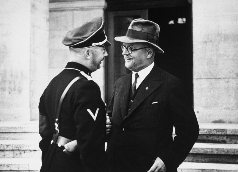 Франц Шварц и Генрих Гиммлер. 1939 г.