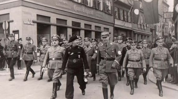 Брейт Герман на праздничных мероприятиях. Швайнфурт. 1939 г.