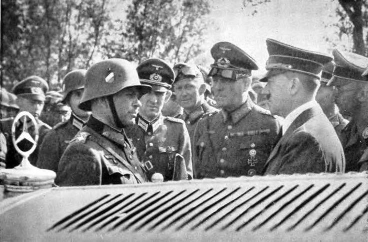 Гейнц Гудериан и Адольф Гитлер во время Польской кампании. 1939 г.