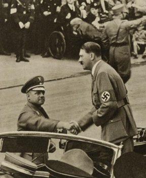 Фриц Заукель и Адольф Гитлер. 1938 г.