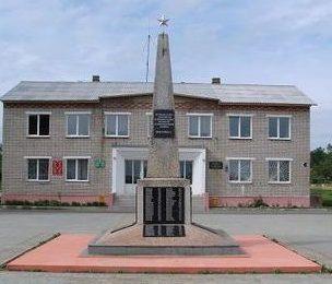 д. Сухари Могилевского р-на. Памятник погибшим односельчанам, установленный на улице Комсомольской.
