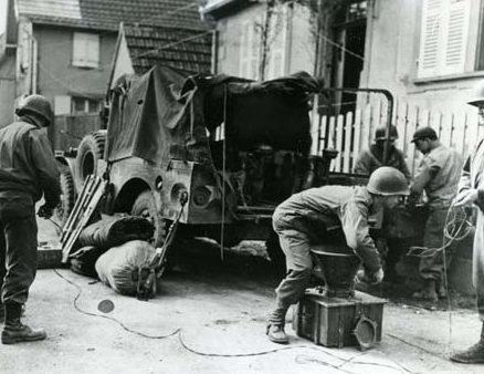 Сборы подразделения агитации на выезд. Италия, 1945 г.