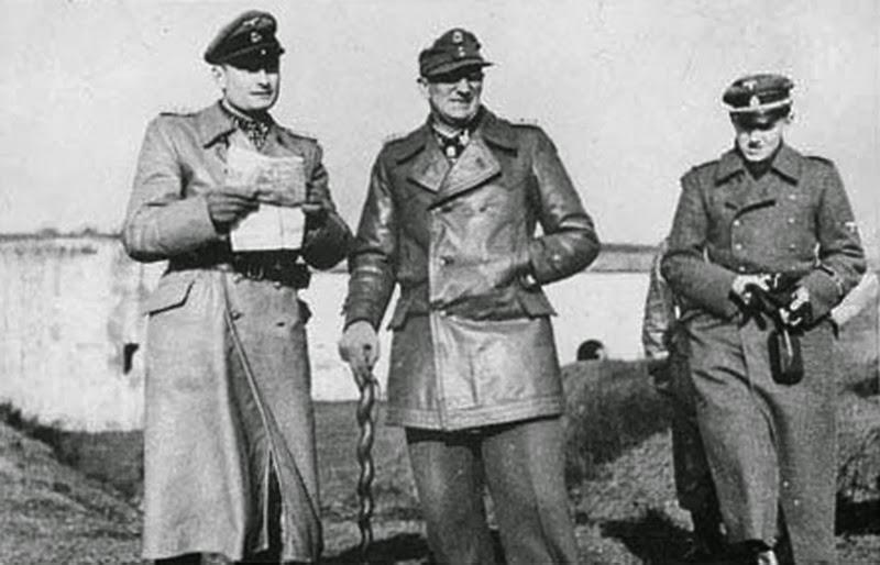 Герберт Гилле с офицерами. 1942 г.