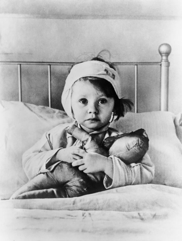 Раненные дети. Сентябрь 1940 г.