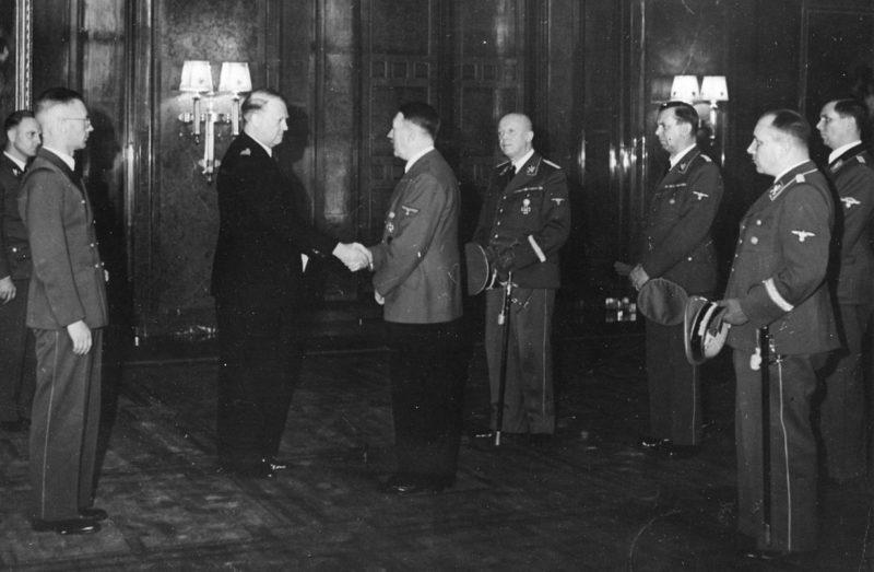Йозеф Тербовен и Видкун Квислинг на встрече с Адольфом Гитлером. 1942 г.