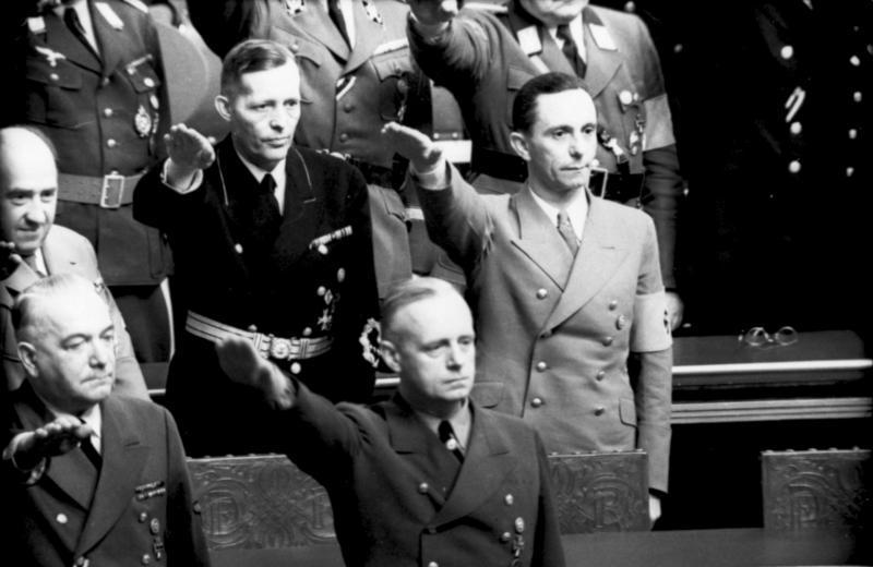Иоганн Шверин на заседании рейхстага. 1941 г.