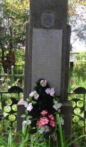 д. Польковичи Кировского р-на. Памятник, установленный на братской могиле, в которой похоронено 25 советских воинов, погибших в годы войны.