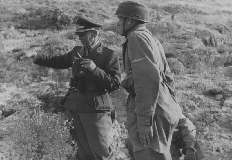 Бруно Бройер во время боев за остров Крит. 1941 г.