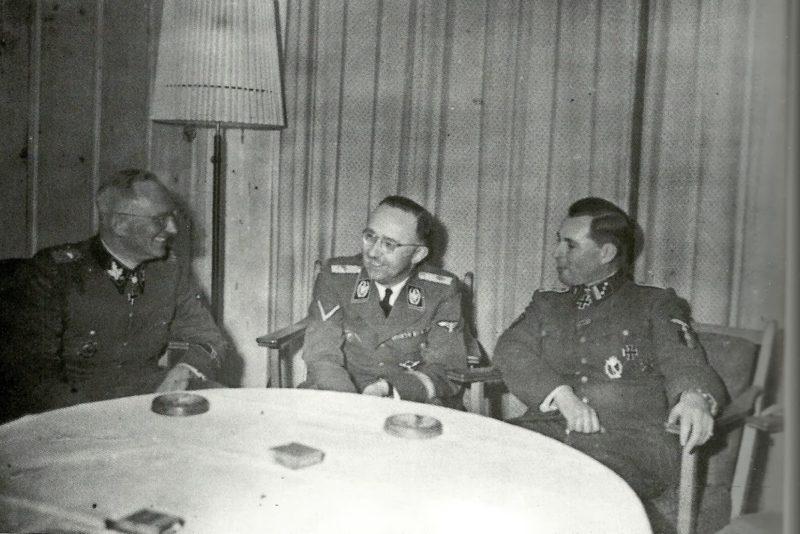 Герберт Гилле, Генрих Гиммлер и Леон Дегрель.1944 г.
