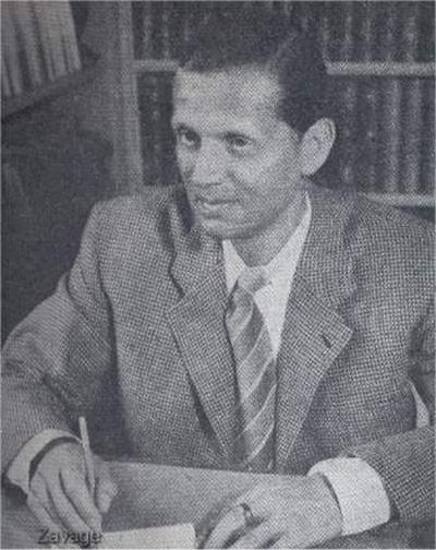 Вальтер Шелленберг в рабочем кабинете. 1940 г.