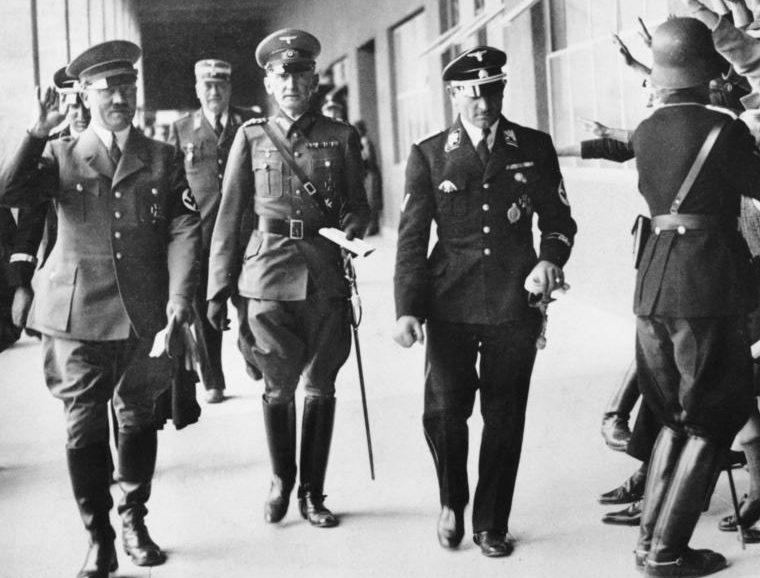 Эрвин фон Вицлебен и Адольф Гитлер. 1936 г.