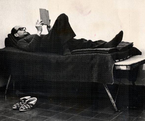 Адольф Эйхман в тюрьме в Израиле. 1961 г.