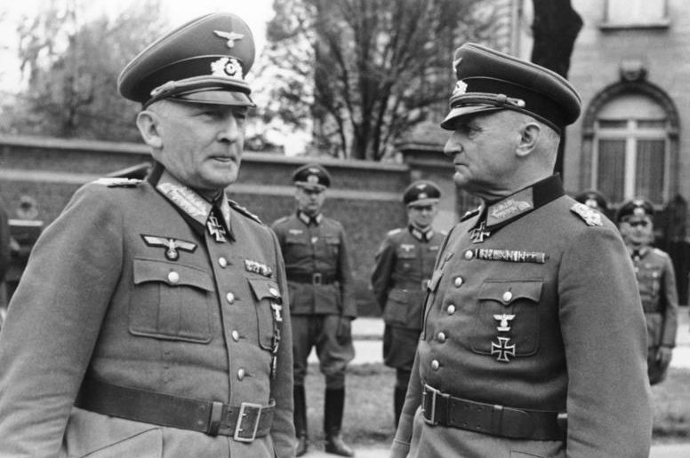 Эрвин фон Вицлебен и Курт Хазе. 1941 г.