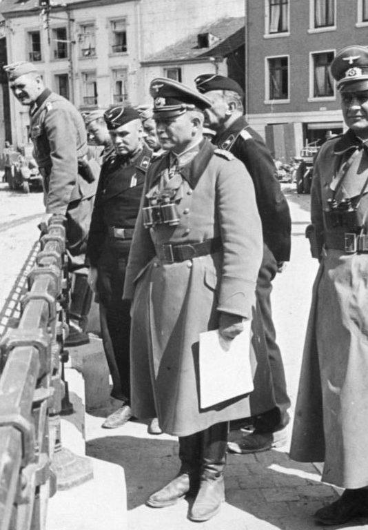 Гейнц Гудериан в Буйоне. Бельгия. 1943 г.